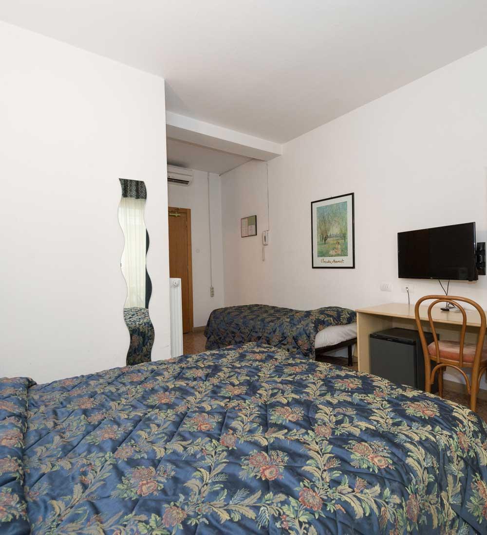 Primo Hotel - Camera Tripla - Lago di Garda - Trentino